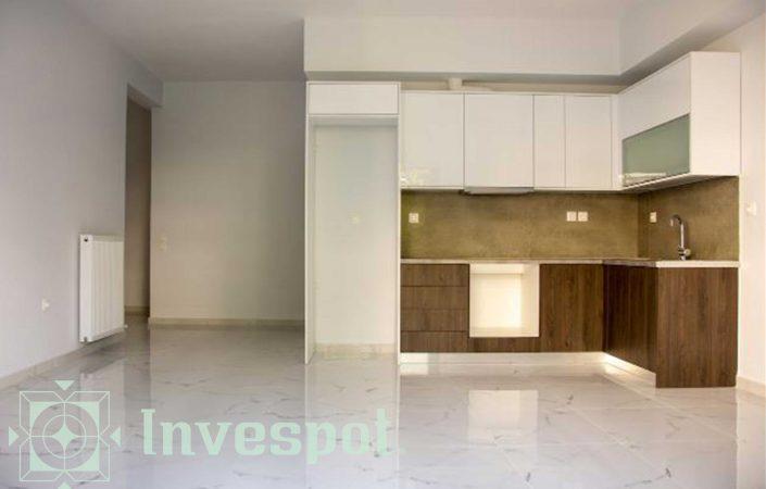 پنج واحد از آپارتمان 4 طبقه در آتن
