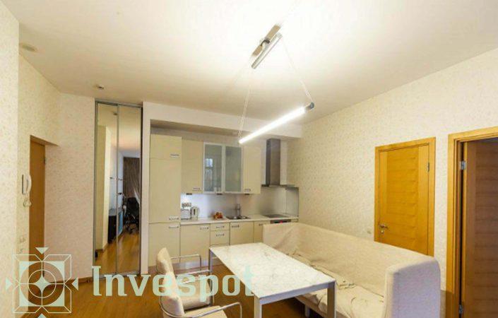 آپارتمان به همراه تراس بام در ریگا